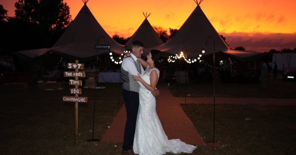 Image 3: The Park Weddings and Events