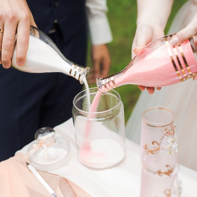 We asked Essex wedding celebrant Shelley Bell for her suggestions on what to include in your ceremony