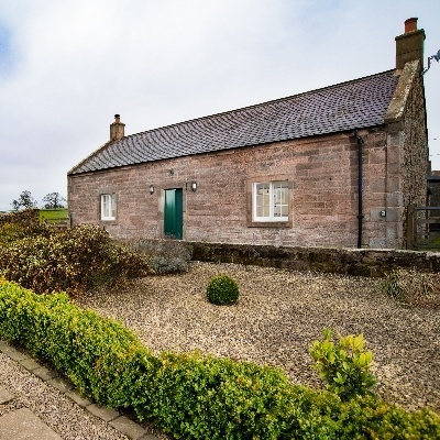 A stunning new bijou coastal cottage perfect for UK minimoons