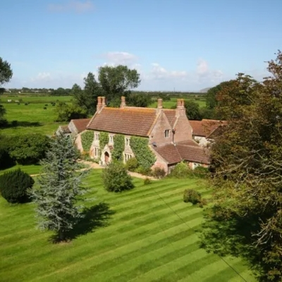 Pre-wedding luxury staycations for hen and stag dos!