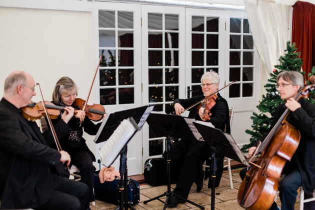 String quartet plays